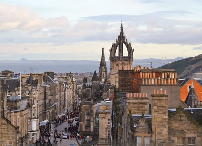 Check out these options for activities when you visit Edinburgh, Scotland.