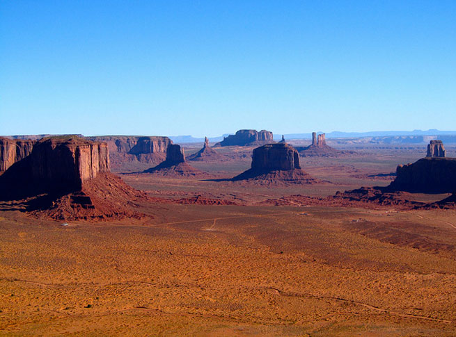 Monument Valley is not a national park, but it is just as beautiful as the larger, more well-known parks that surround it.