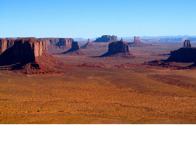 It may not be a National Park, but that doesn't mean Monument Valley isn't a must-visit natural wonder.