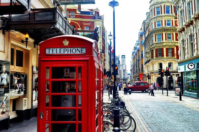 London is a great town for pedestrians, which means it also has some amazing walking tours including these three that are not to be missed.