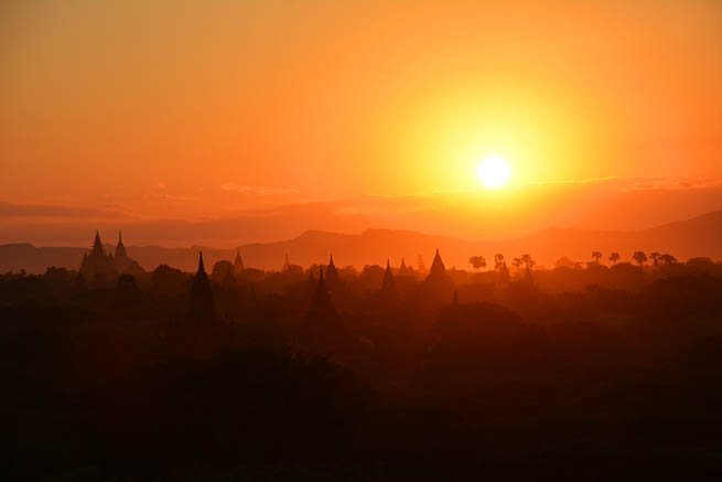 Bagan is an ancient city located in the Mandalay Region of Burma. CT