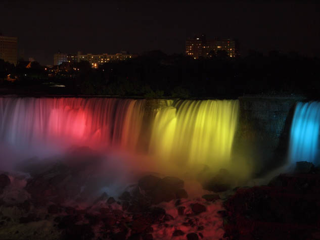 Forget your old notions about Niagara Falls; come discover what this popular destination is like in 2015!