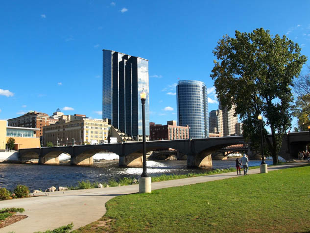 Surprise yourself by discovering all of the fun activities on offer in beautiful Grand Rapids Michigan.