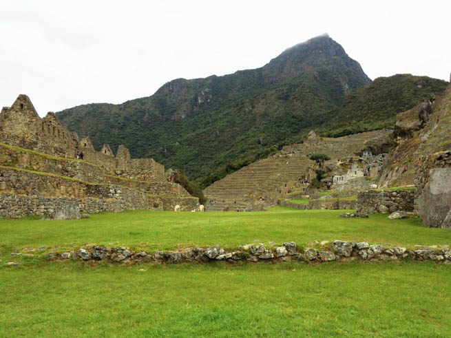 Machu Picchu is an Incan citadel set high in the Andes Mountains in Peru 6 CT